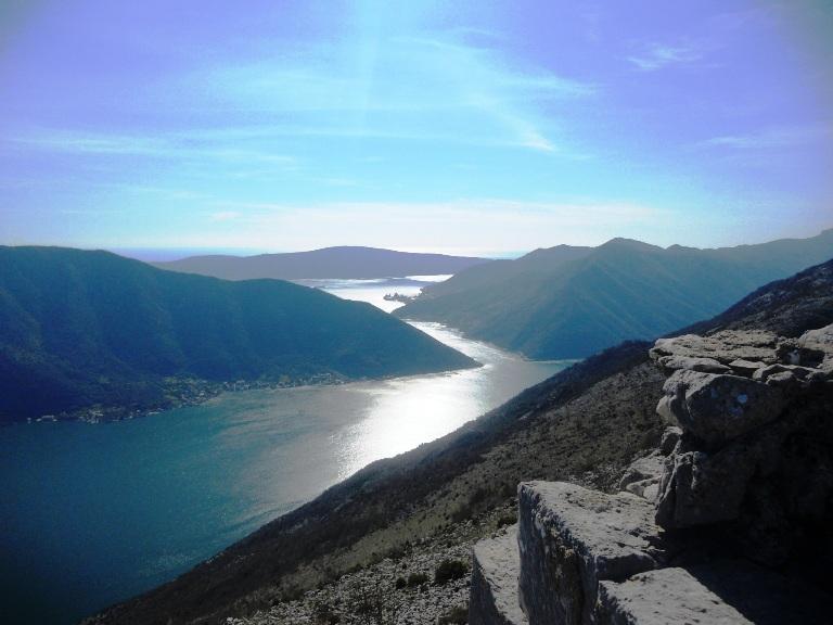 Pogled na zaliv sa tvrđave sv. Andrija