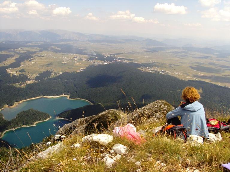 Pogled na Crno jezero sa Međeda