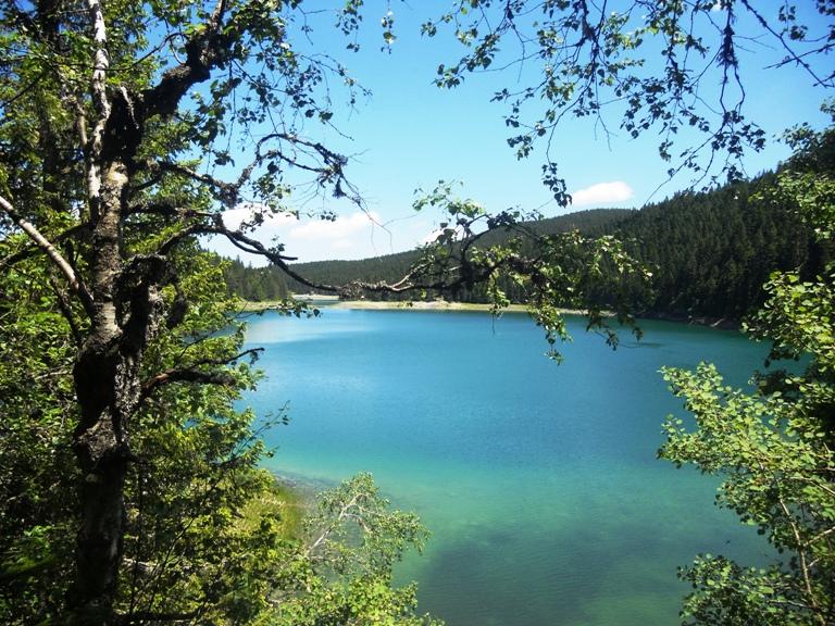 Crno jezero, pogled sa Malog jezera