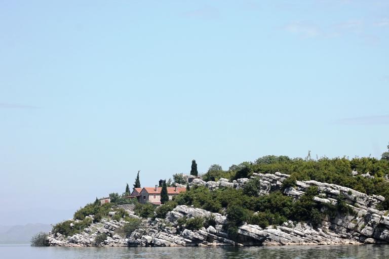 Starčeva Gorica, Skadarsko jezero