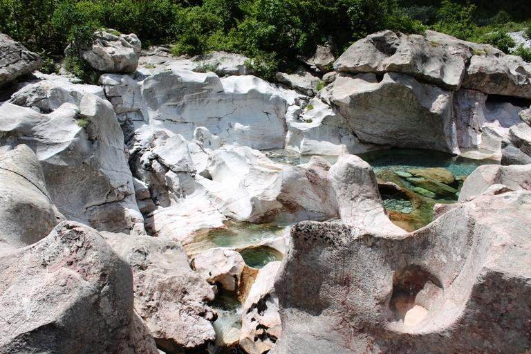 Stone bathtubs, Theth, Albanija