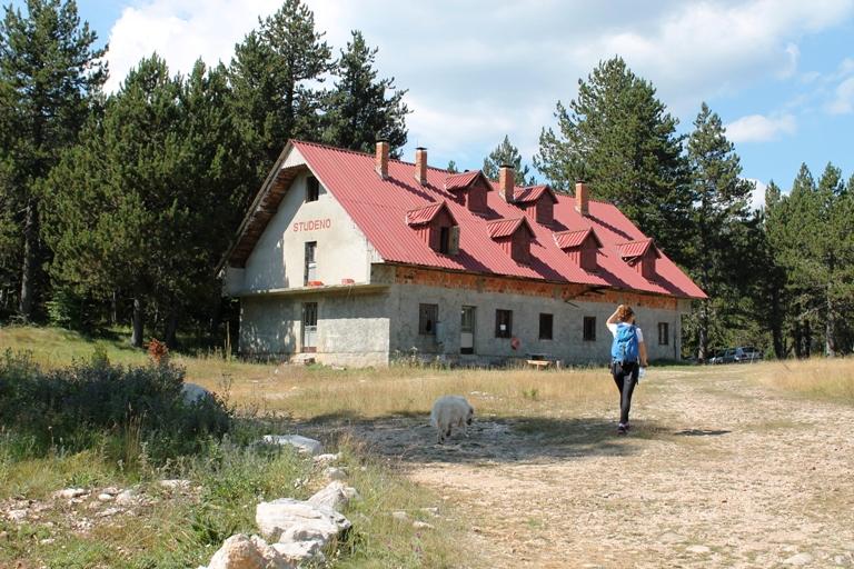 Planinarski dom na  Studenom