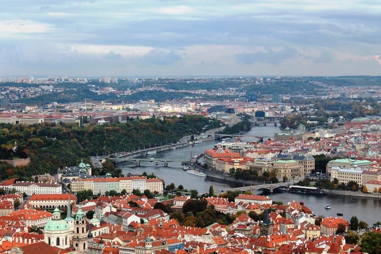 Pogled na Prag sa tornja Petrin