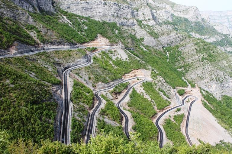 Serpentine, Albanija