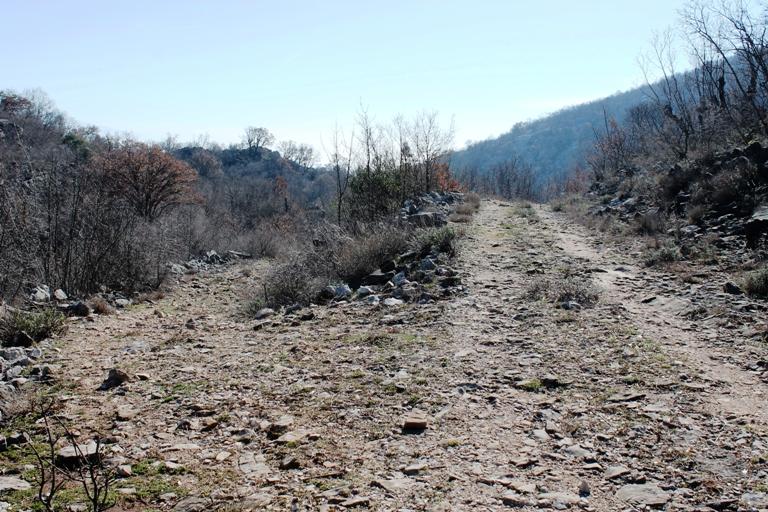 Raskrsnica puteva koji vode ka velikoj i Maloj Bobiji