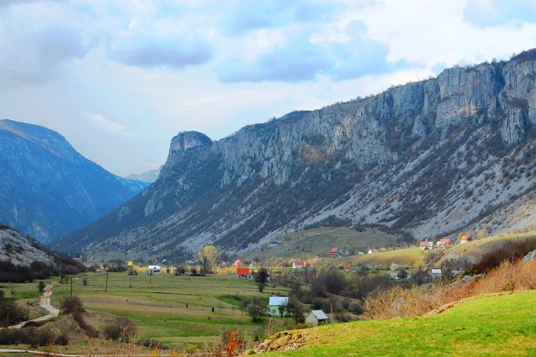 Selo Komarnica